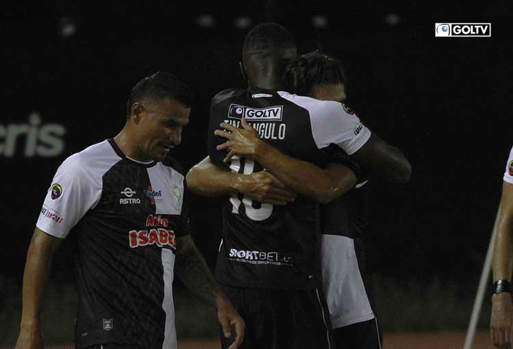 Manta goleó a Guayaquil City y escala cuatro puestos en la tabla
