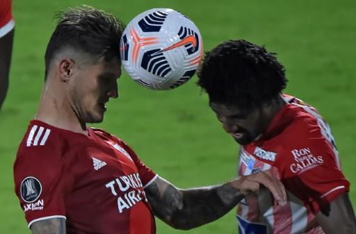 River Plate saca de los disturbios un empate 1-1 ante el colombiano Junior por Libertadores