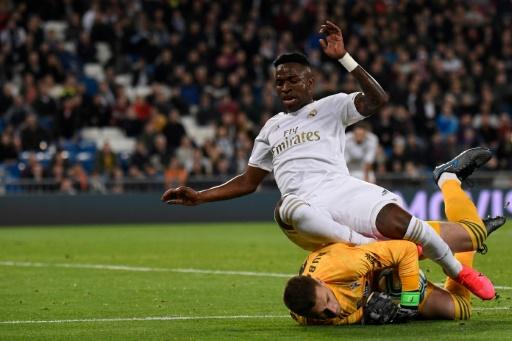 Real Madrid se deja dos puntos en casa ante el Celta y el Barça se acerca