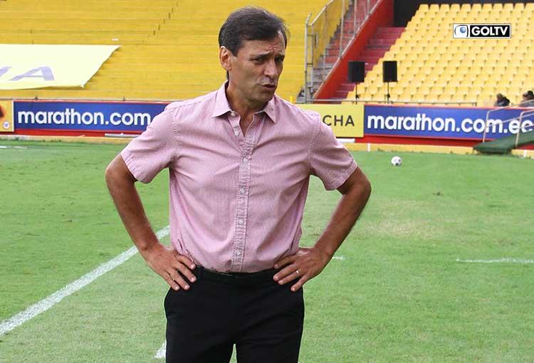 El Show del Fútbol escogió a Fabián Bustos como el DT de la fecha 6-2021