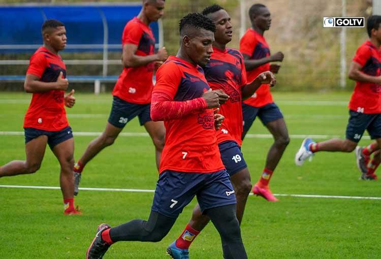 Delfín SC volvió a los entrenamientos