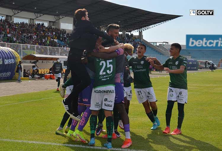 Orense fichó al defensor paraguayo, Marcos Acosta