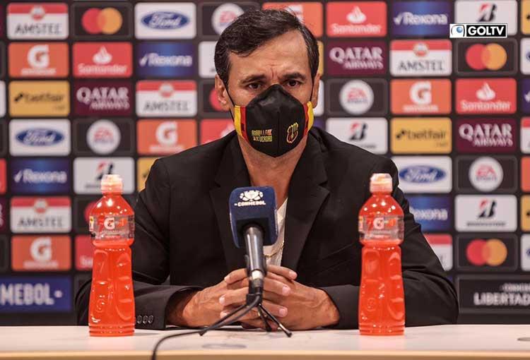 """Fabián Bustos: """"Estuvimos a la altura de rivales con mucha historia"""""""