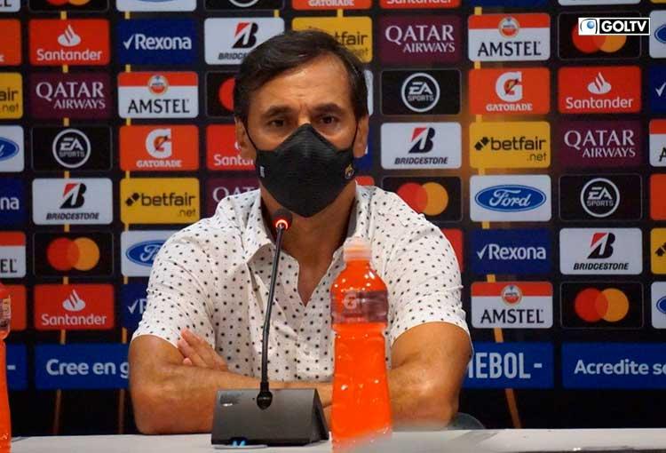 """Fabián Bustos: """"El sábado tenemos un partido por el torneo local que será una final"""""""