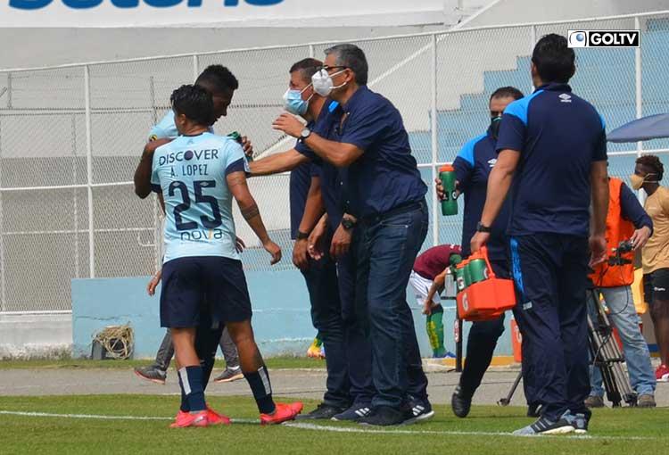 Católica goleó a Orense en el regreso de 'Sachi' Escobar