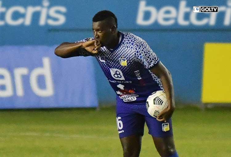 Jhon Jairo Cifuente se acerca al primer lugar de la tabla de goleadores
