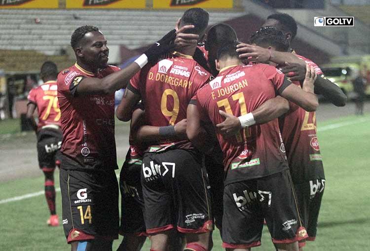 Deportivo Cuenca se reencontró con la victoria ante Técnico Universitario