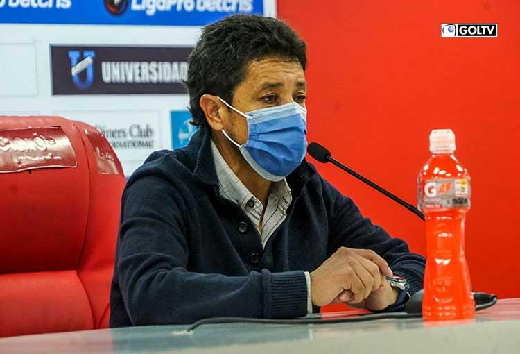"""Paúl Vélez: """"Tenemos que mejorar todo, hasta nosotros mismos"""""""