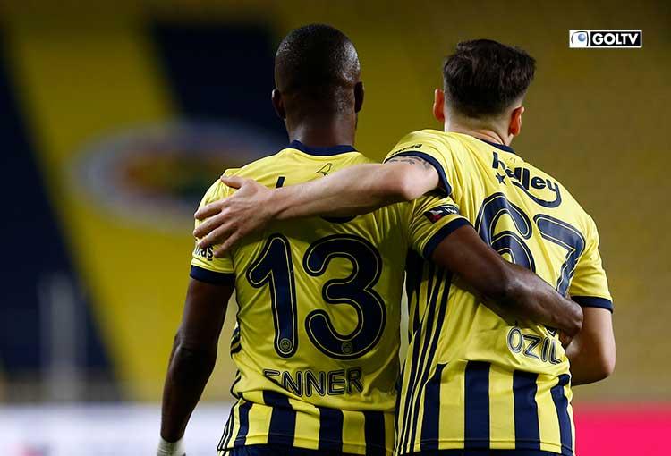 Gol y asistencia de Enner Valencia con el Fenerbahce de Turquía
