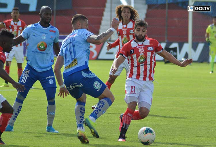 Macará y Técnico Universitario luchan por clasificar a un torneo internacional