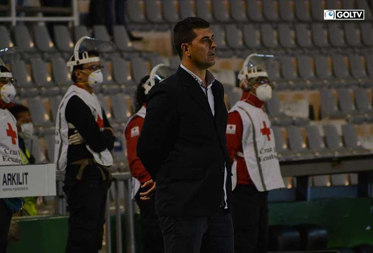 El Show del Fútbol eligió a Ismael Rescalvo como el mejor DT de noviembre