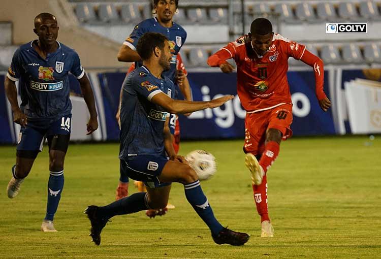 Técnico Universitario y 9 de Octubre empataron sin goles en Ambato